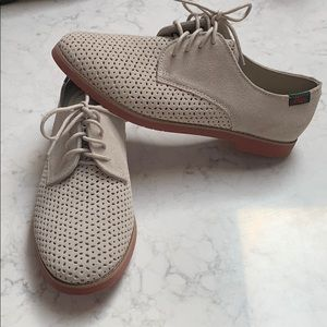 Bass Ellis Oxford perforated leather size 8.5